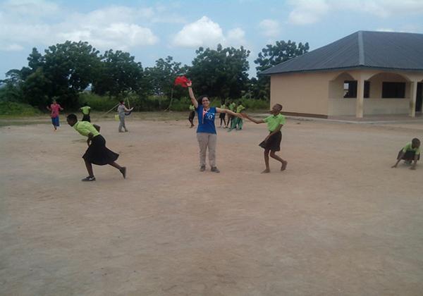 Voluntariado corporativo en Ghana con personal de EDELVIVES