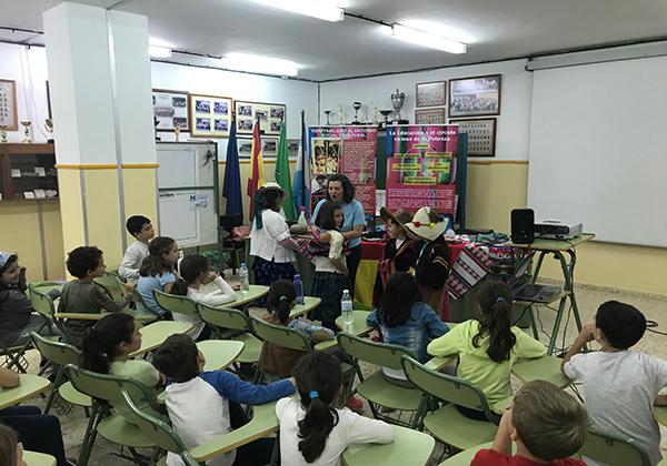 Bolivia llega al alumnado de Huelva