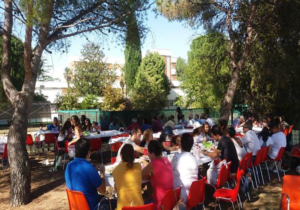 Barbacoa solidaria en Alcalá de Henares por los Derechos de la Infancia en Kenia