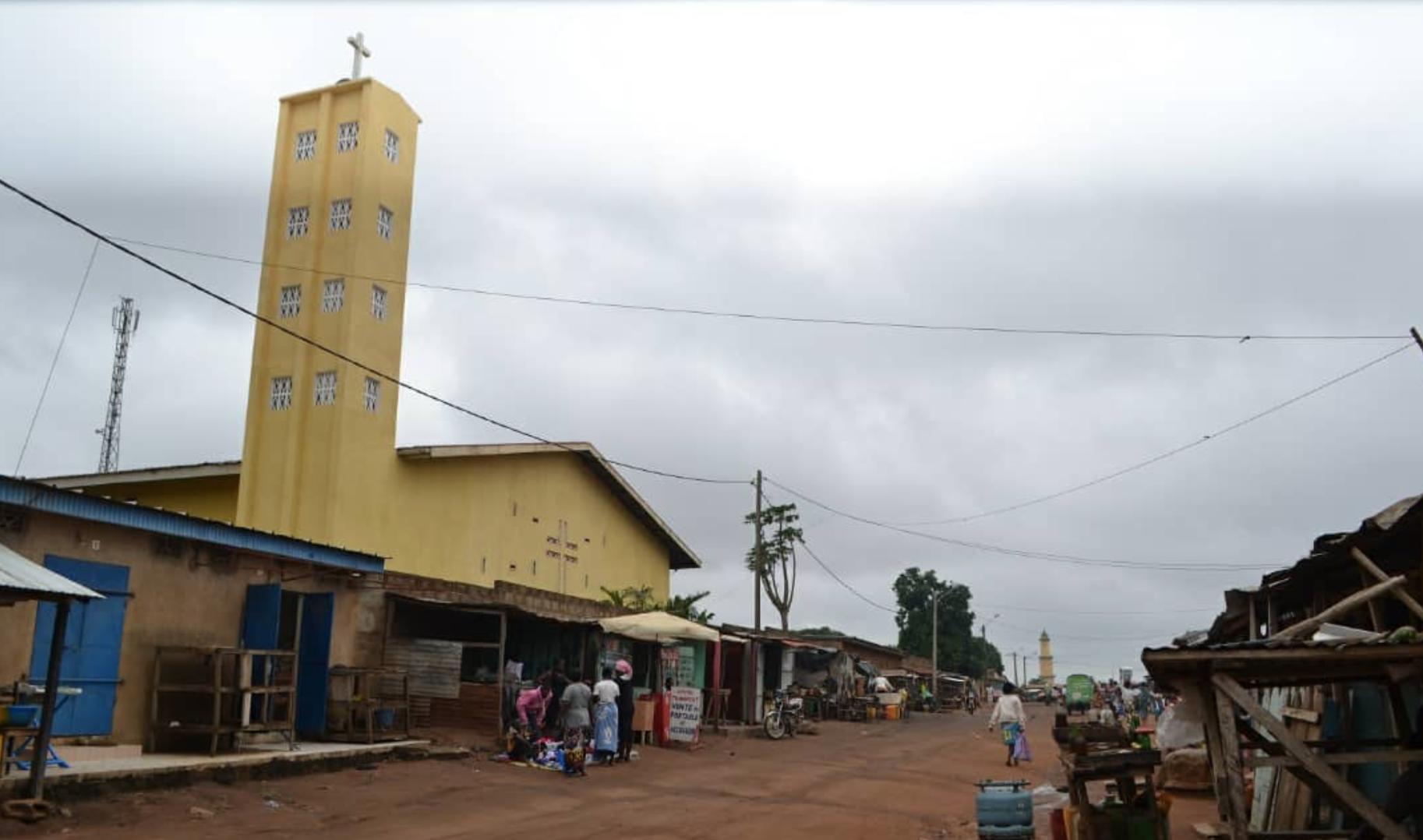 Un nuevo pozo en Bouaké acerca el agua potable a la población más vulnerable