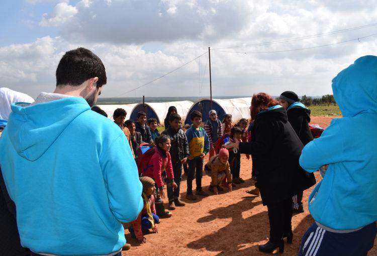 Visita al campamento de Al Shahba