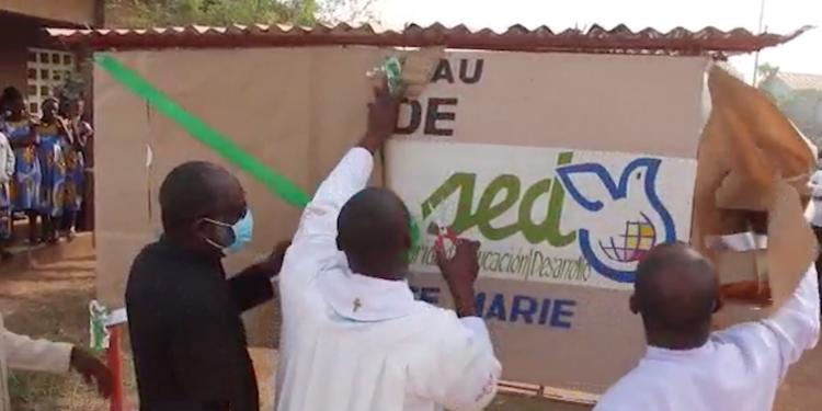 Inaugurado el nuevo pozo de agua potable en Bouaké, Costa de Marfil