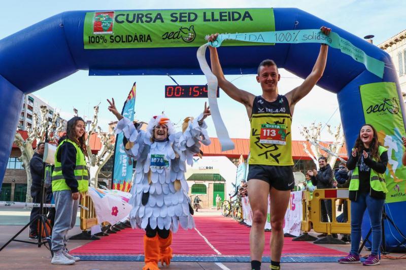 Más de un millar de personas corren en Lleida por una causa solidaria
